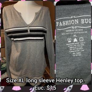 Size XL long sleeve Henley top.  Euc